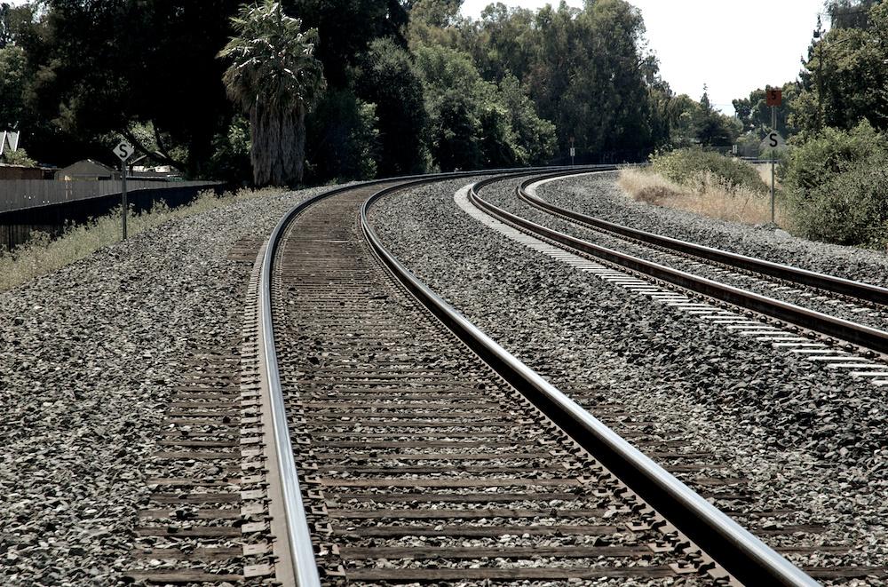 Curving tracks