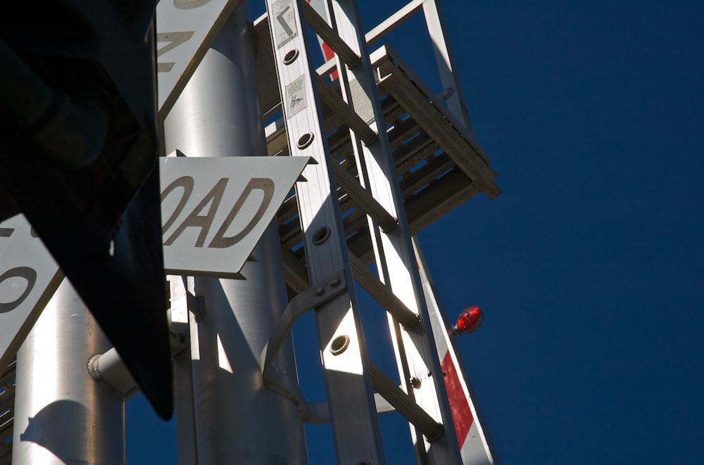 Signal ladder