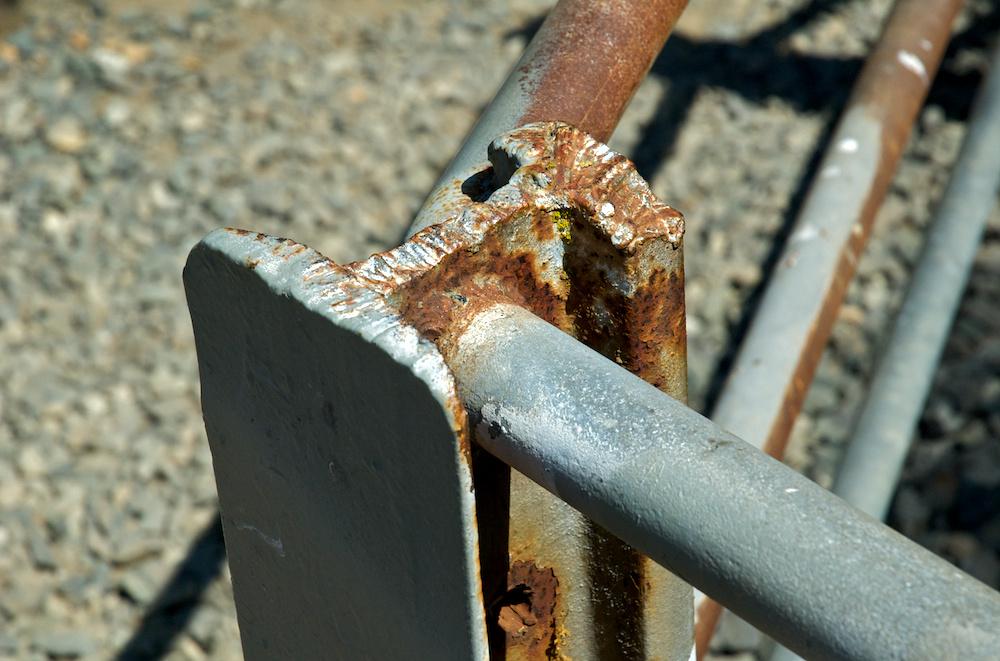 Railing angle